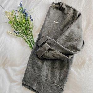 Nike / Gray Crewneck Sweatshirt